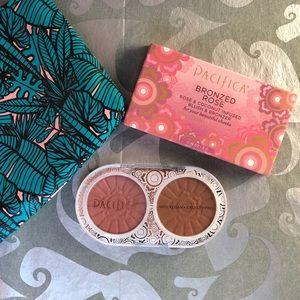 NWT Pacifica Bronzed Rose Blush & Bronzer Duo wBag